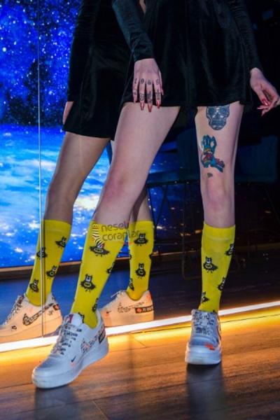 Batman Desenli Renkli Kadın Çorap